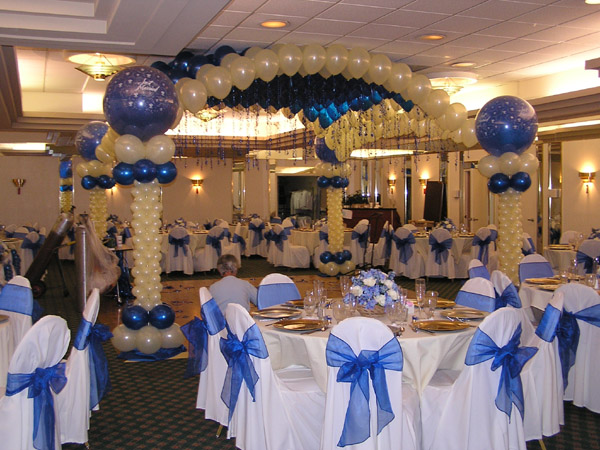 Tulsaweddingminister we can supply beautiful helium table balloons table confetti and all manner of table decorations if you require the balloon art structures junglespirit Choice Image